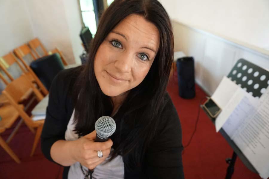 Hochzeitssängerin Lina Scholz aus Hamm für Gesang bei Trauungen